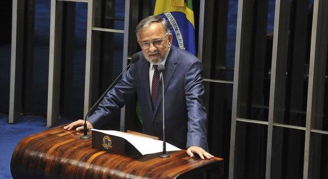 O pré-candidato João Capiberibe (PSB) lidera e também tem a maior rejeição