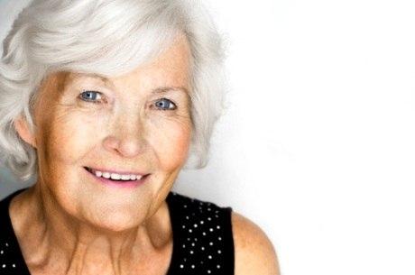 Degeneração Macular Relacionada à Idade, principal causa de cegueira em idosos, acomete pessoas de olhos claros