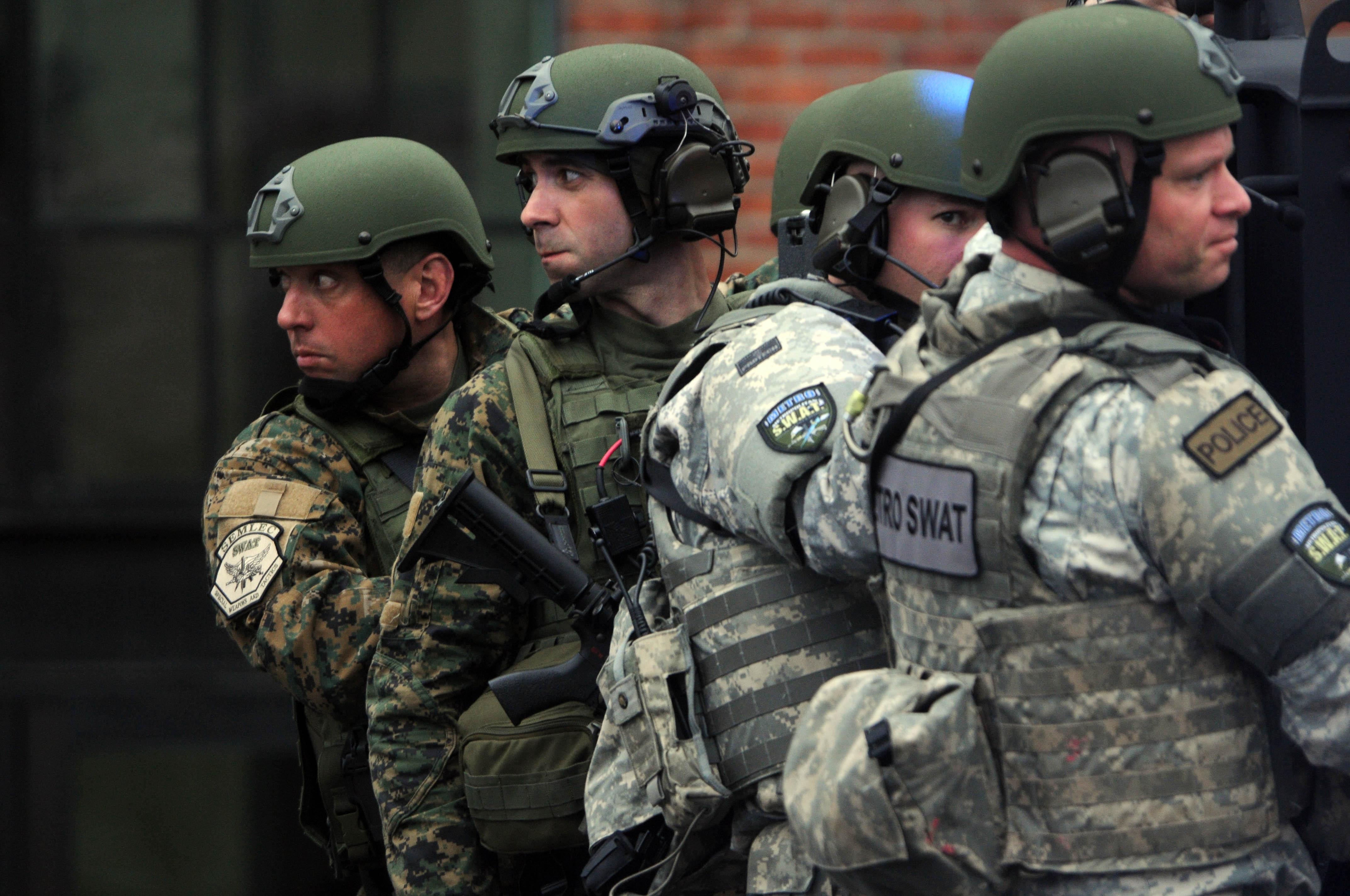 Caçada paralisa Boston por 22 horas: veja o cerco e a captura dos suspeitos pelo atentado nos EUA