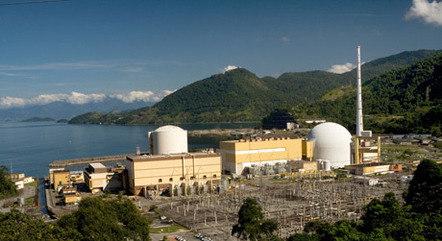 Governo vê térmicas como solução da crise hídrica