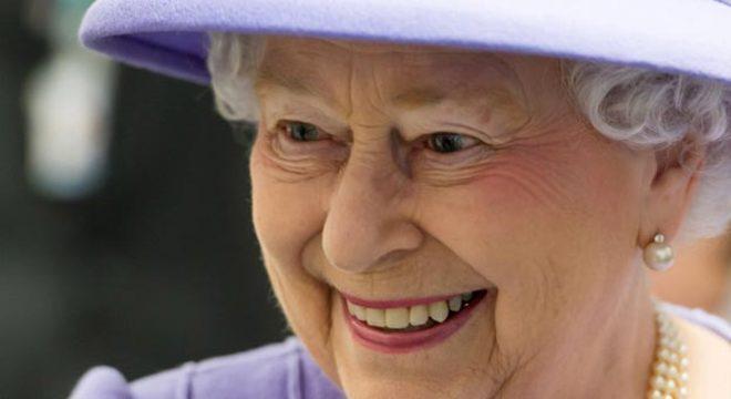 Elizabeth chegou ao trono em 1952, após a morte súbita de seu pai, e foi coroada em 2 de junho de 1953