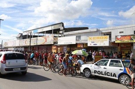 Comerciante foi assassinado em loja neste domingo