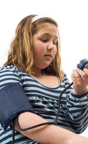 Hipertensão em crianças está relacionada à obesidade e ao excesso de peso