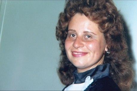 A dentista Cinthya Magaly Moutinho de Souza, de 47 anos, morreu após ser queimada em assalto
