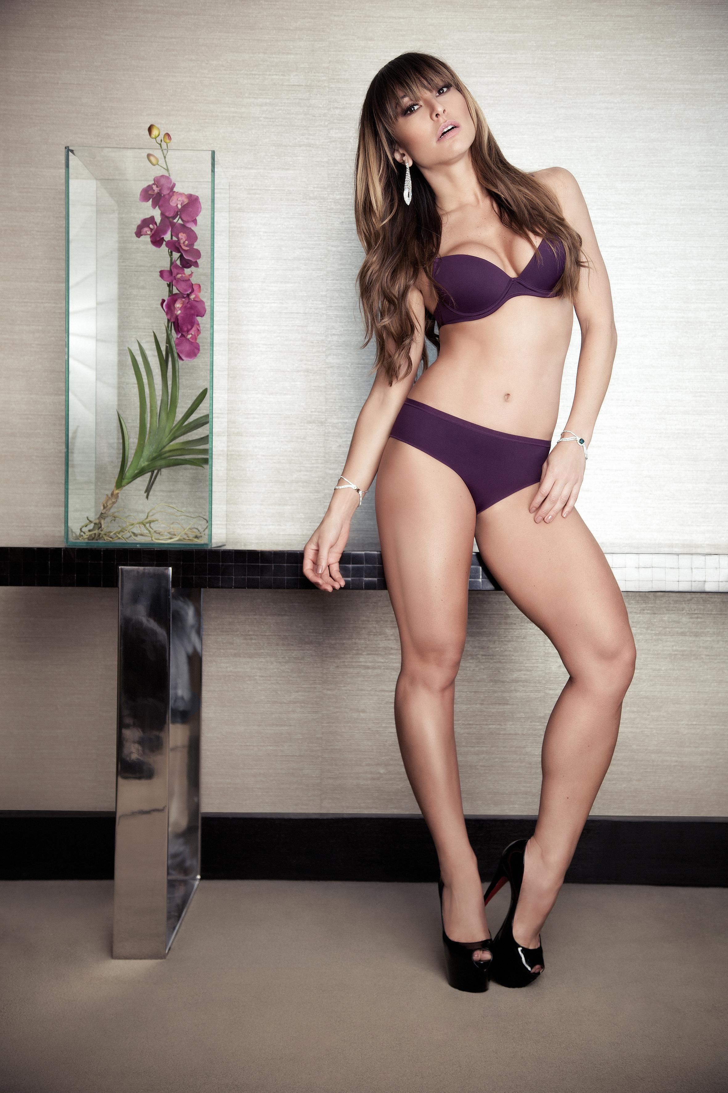 4390c3ab147b3 Pela primeira vez na carreira, Sabrina Sato fotografa campanha de lingerie  - Fotos - R7 Moda
