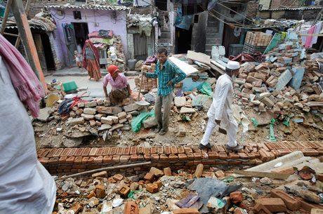 Construção no assentamento Sonia Gandhi