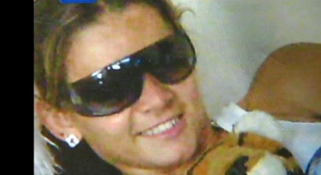 Valdirene Santana dos Santos, de 21 anos, foi encontrada morta dentro de uma mala