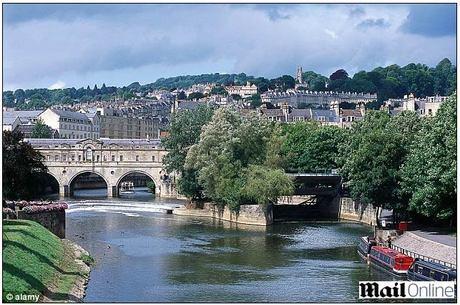 O caso aconteceu na casa da família da menina, na cidade de Bath, sudoeste da Inglaterra (foto)
