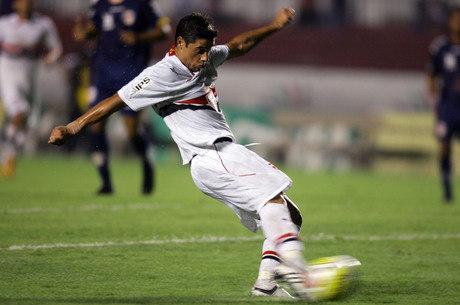 Cicinho no São Paulo: 127 jogos e 18 gols