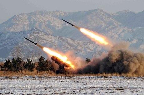 Coreia do Norte melhora sua artilharia na fronteira com o sul