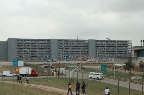Vista do novo edifício-garagem do aeroporto de Cumbica, em Guarulhos, na Grande SP, na manhã desta terça-feira (21)