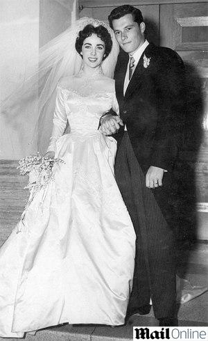 Liz Taylor com a peça em 1951