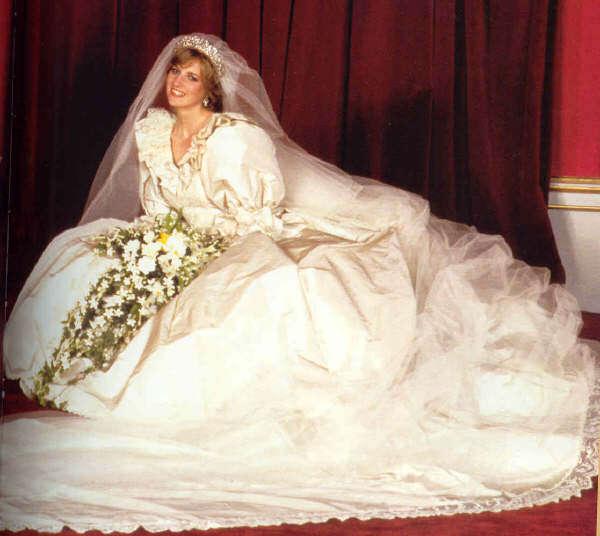 Casamento Ostentação Prepare O Bolso E Conheça Os Vestidos