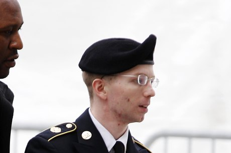Manning poderia ser condenado a um máximo de 90 anos