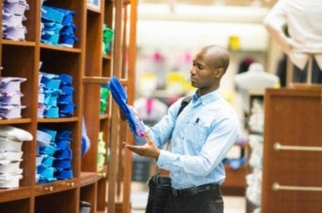 Brasileiros agora pesquisam mais antes das compras