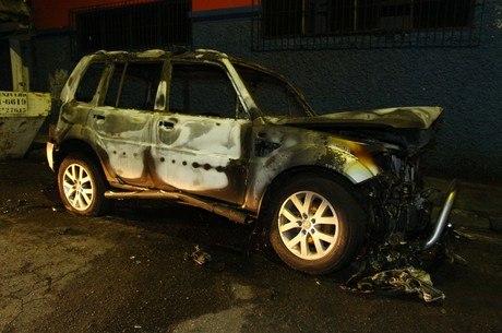 Motorista teve corpo e carro queimados em assalto na Vila Olímpia
