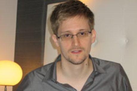 Edward Snowden é acusado de espionagem por ter divulgado programas dos EUA de vigilância das comunicações