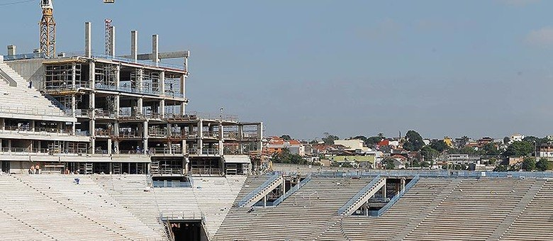 Estádio está com 80% da obra concluída, diz Odebrecht