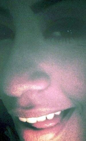 Irmã de Neymar sensualiza em foto