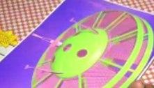 Vigilante cria disco voador para desafogar o trânsito nas ruas da capital federal
