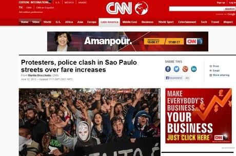 CNN destacou que manifestantes e policiais entraram em confronto nas ruas de SP por causa do aumento das passagens