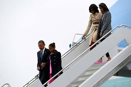 Família Obama desembarca hoje em Belfast, Irlanda do Norte, onde o mandatário americano participa de reunião do G8