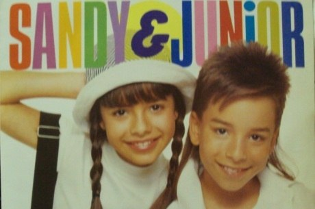 Sandy e Júnior viram motivo de chacota em trama das sete