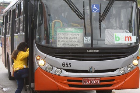 Ônibus de Osasco já circulam com tarifa reduzida nesta segunda