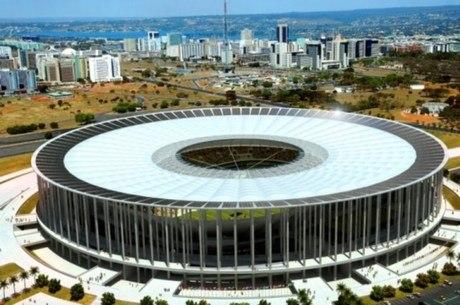Mané Garrincha já custou 100% a mais do que o orçado em 2010