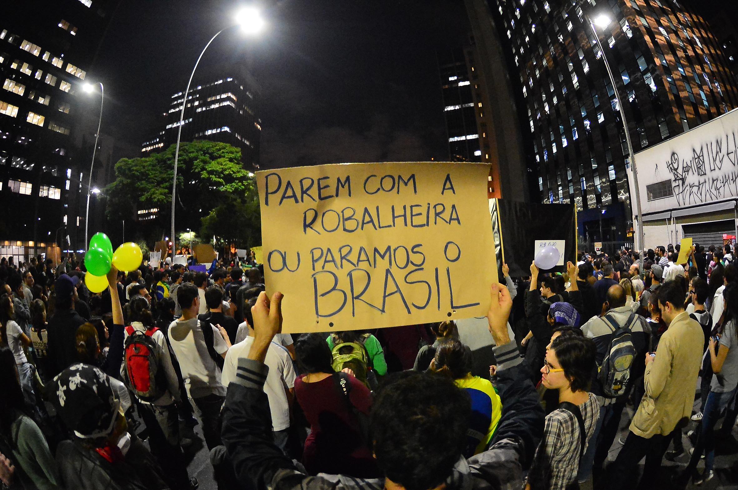 Alckmin muda discurso sobre manifestações e diz que está aberto ao diálogo