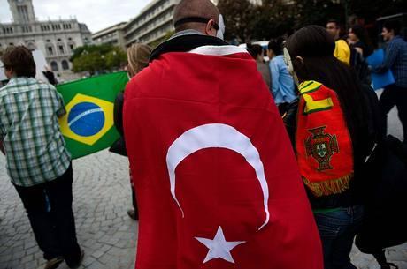 Brasileiros protestam hoje no Porto, em Portugal