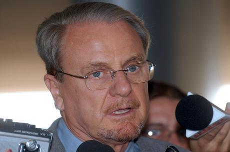 Lacerda anunciou ontem (19) a previsão de redução, durante protestos na capital mineira