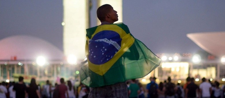 Cerca de 30 mil pessoas participam da manifestação em frente ao Congresso Nacional, em Brasília