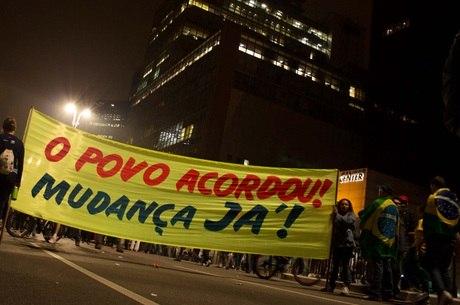 Manifestações que tomaram o Brasil pedem mudanças