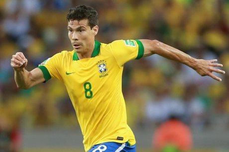 Hernanes é o reserva imediato da seleção brasileira