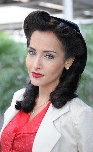 Maytê Piragibe como Donana