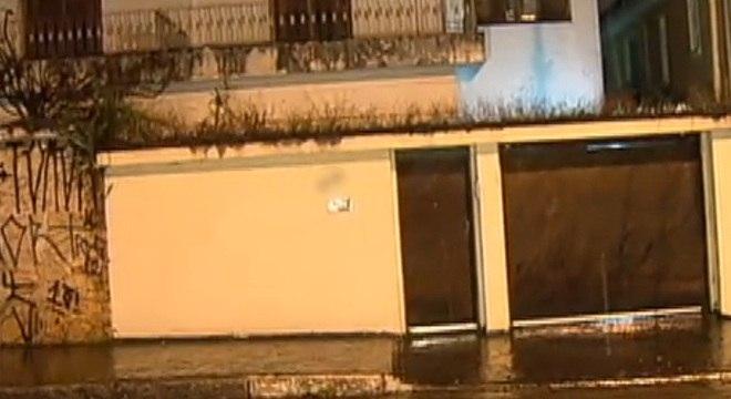 Família foi rendida quando entrava na garagem de casa, na zona sul de São Paulo