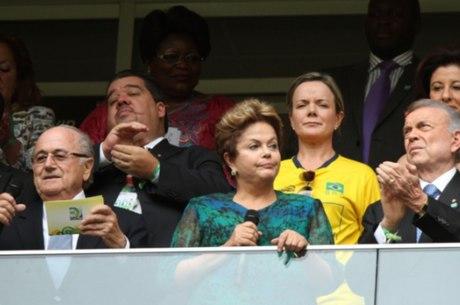 Vaiada na abertura, Dilma não foi à final da Copa das Confederações