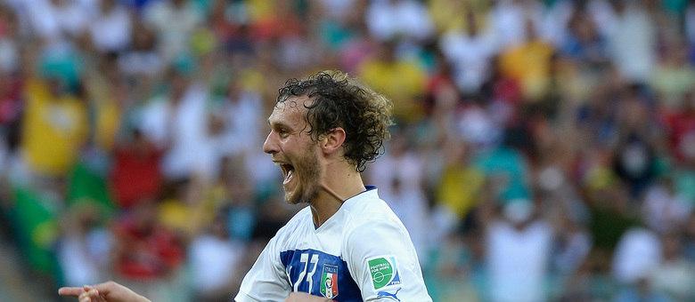 Diamanti marcou dois gols e foi fundamental para a vitória da Itália