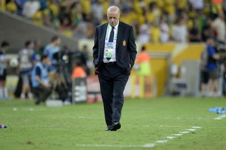 Del Bosque diz que primeira derrota em competições da Fifa desde 2010 e a maior em sua passagem não deve causar desespero