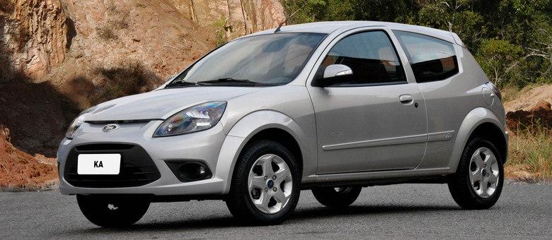 Restam apenas algumas unidades do atual Ford Ka nas concessionárias da marca pelo País, nas cores preto e prata