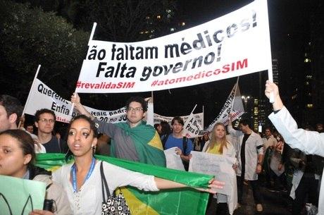 Médicos paralisaram as atividades no fim do mês de junho