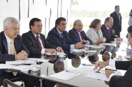 Ministros e líderes da base participaram da reunião com Temer