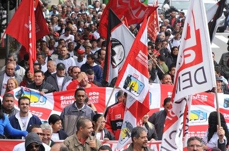 Nesta semana, metalúrgicos do Estado de São Paulo já realizaram um protesto na avenida Paulista