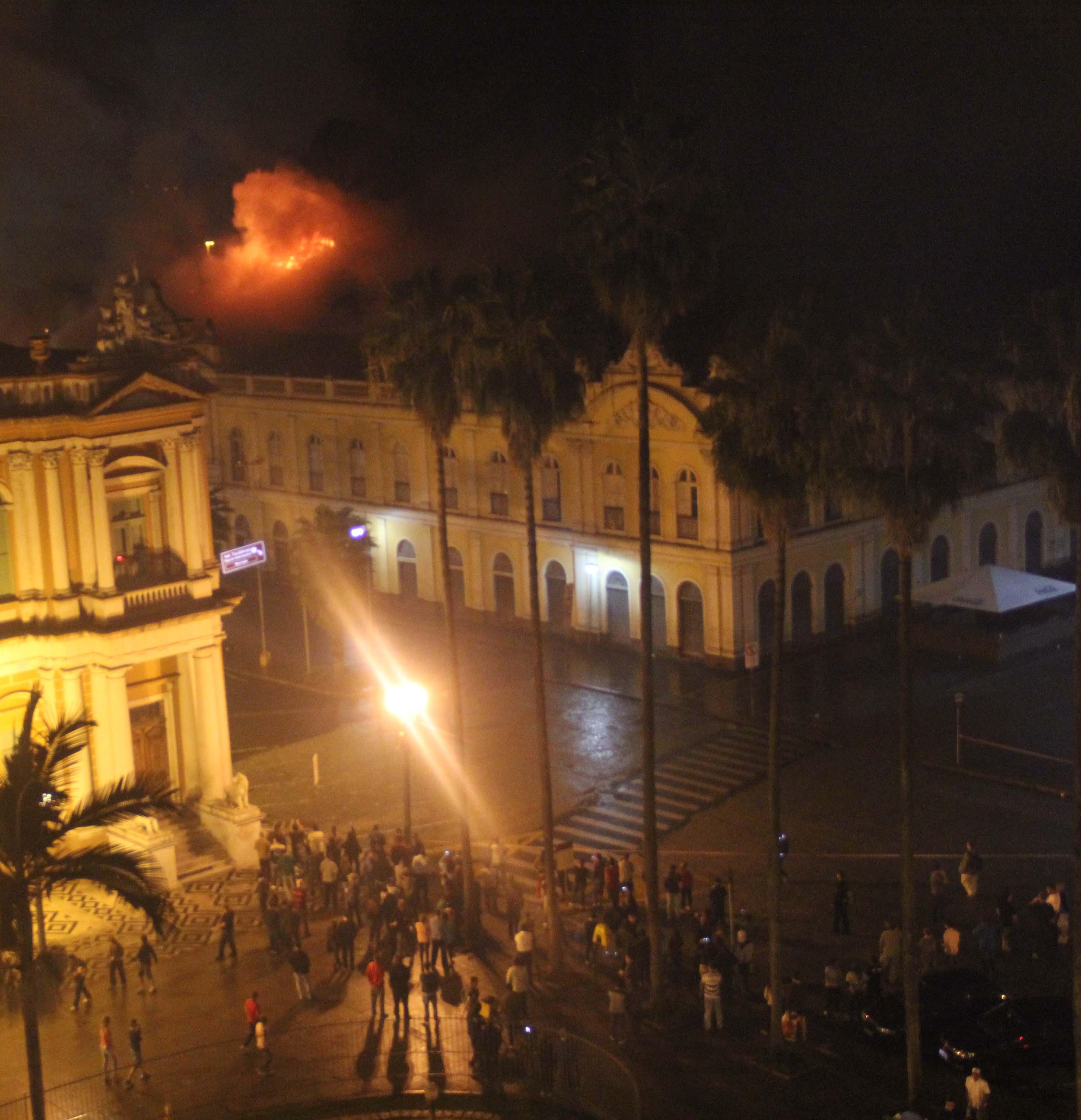 Incêndio em Mercado Público de Porto Alegre já é o quarto na história do prédio