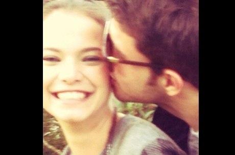 Milena Toscano divulga foto com o namorado no Instagram