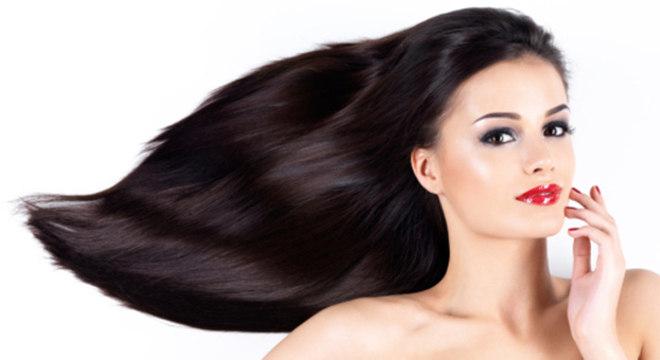 O tratamento restaura cabelos danificados por químicas e pelo tempo