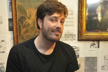 Danilo Gentili tem uma namorada secreta, diz jornal