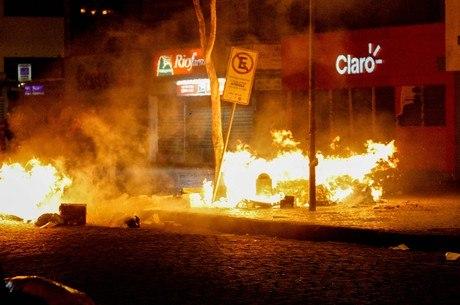 Rua na região da Candelária registrou atos de vandalismo