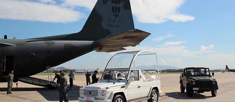 Aeronave, que fez escalas nas Ilhas Canárias e em Fortaleza, demorou 20 horas para chegar ao Rio de Janeiro